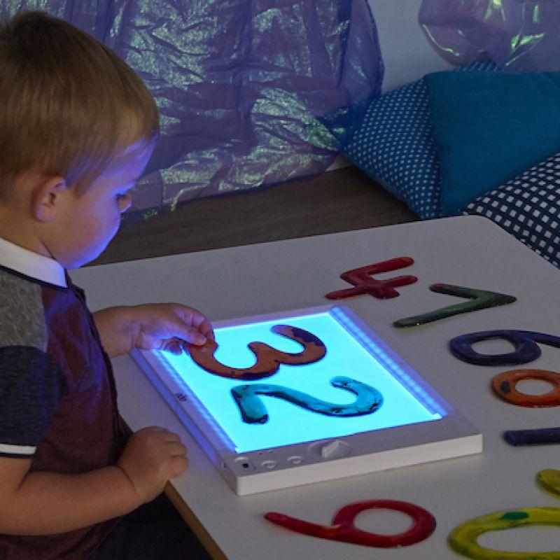 A4 formato įkraunamoji šviesos lenta
