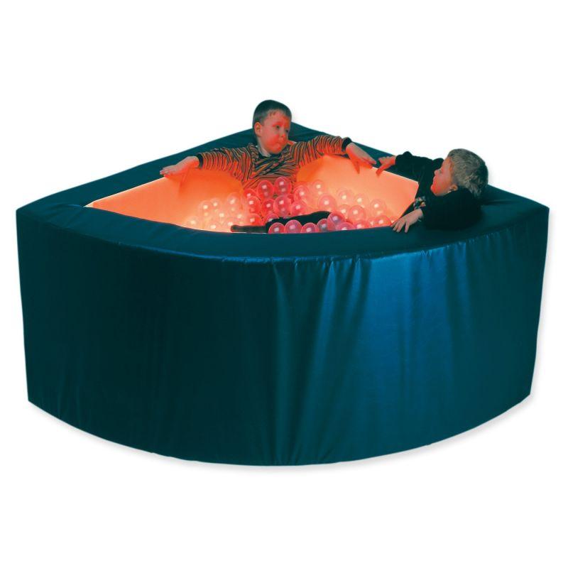 Kamuoliukų baseinas su garso sistema